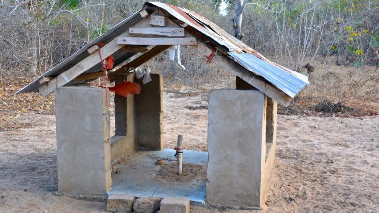 Satans kirke i nærheden Zarafa Tented Camp.