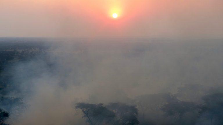 Bush fire i Queen Elizabeth National Park.