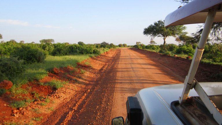 På vej i Tsavo East, Kenya.